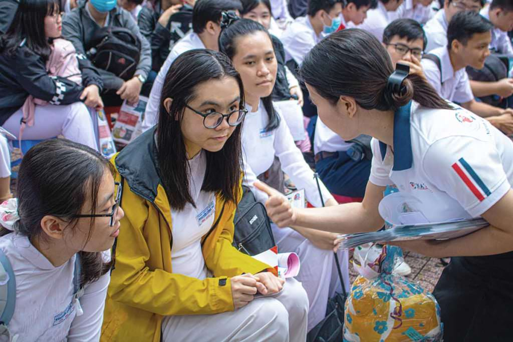Đúng Ngành Nghề - Sáng Tương Lai: Trường THPT Nguyễn Công Trứ