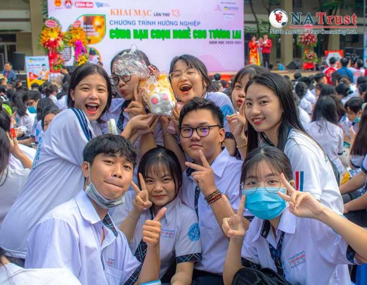 Đúng Ngành Nghề – Sáng Tương Lai: Trường THPT Trần Văn Giàu