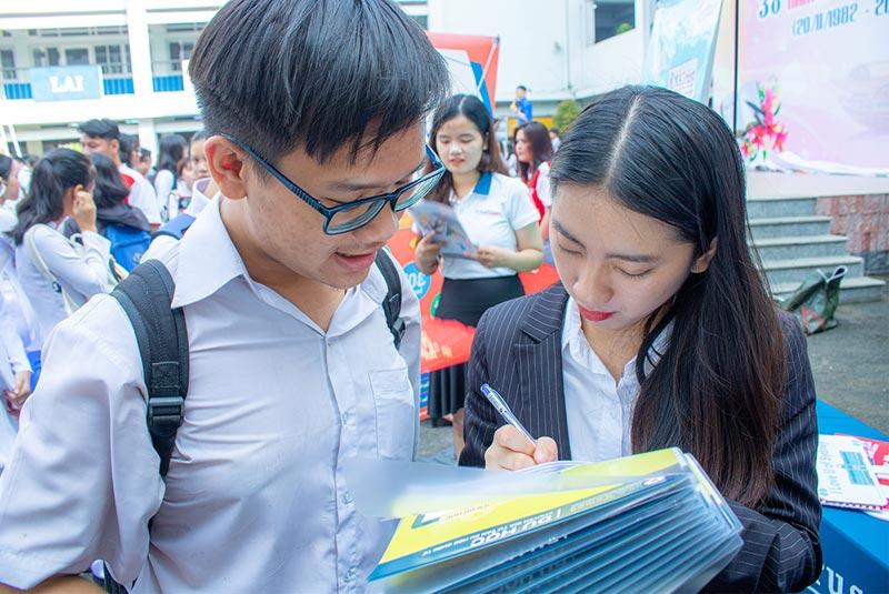 THPT Nguyễn An Ninh