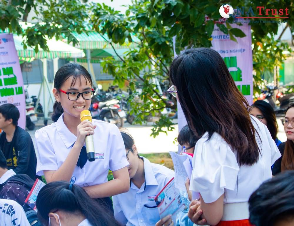 Trung Hoc Thuc Hanh Sai Gon 4