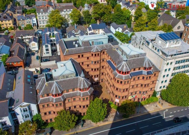 Cao Đẳng Cardiff Sixth Form – Trường có tỷ lệ học sinh điểm cao nhất Anh Quốc