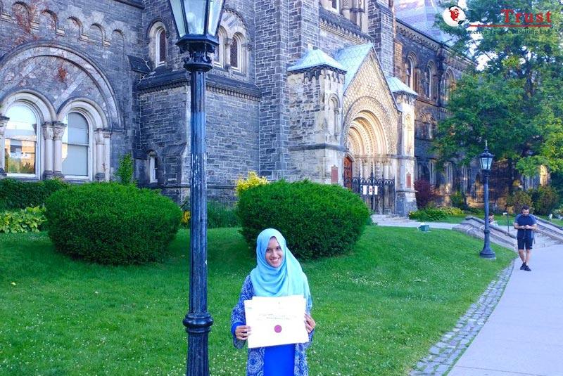 University of Toronto – Đại Học Hàng Đầu Canada
